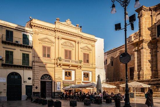 Real Teatro Bellini