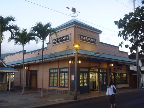 Old Lahaina Center