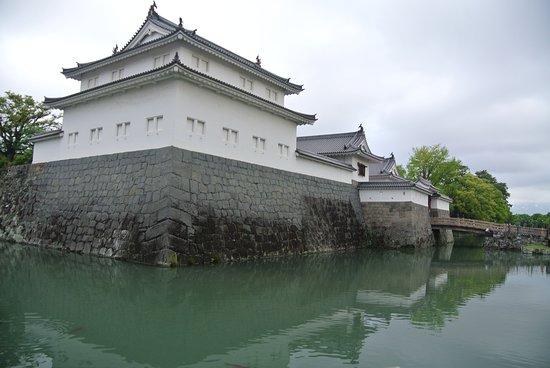 Istana Shizuoka: 再建された櫓と門