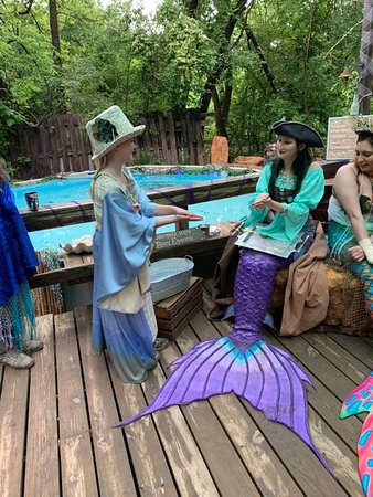 The daughter and the mermaids