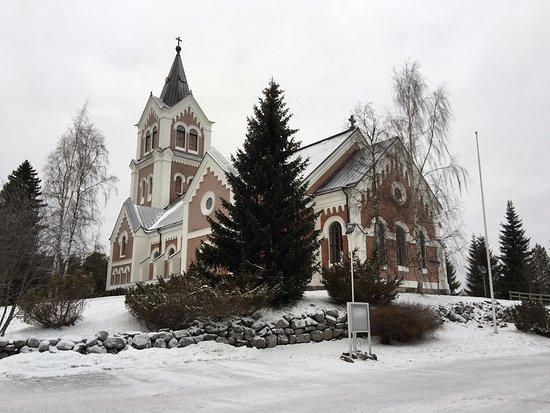 Paisaje invernal e iglesia de Lumijoki