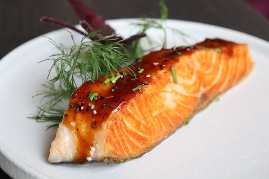 Restaurant The City: Salmon out of the Charcoal Grill