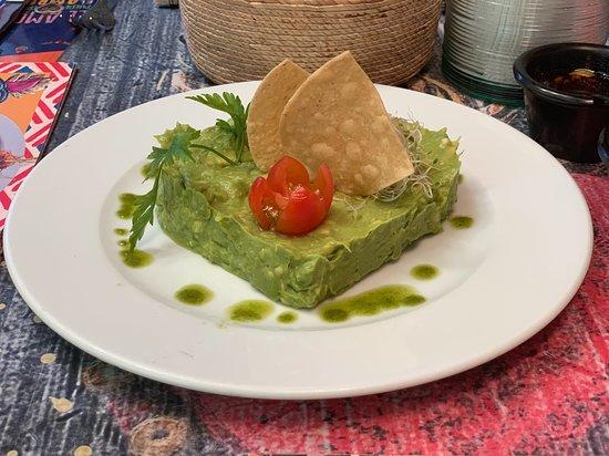 La Organica: Delicious Guacamole beautifully presented