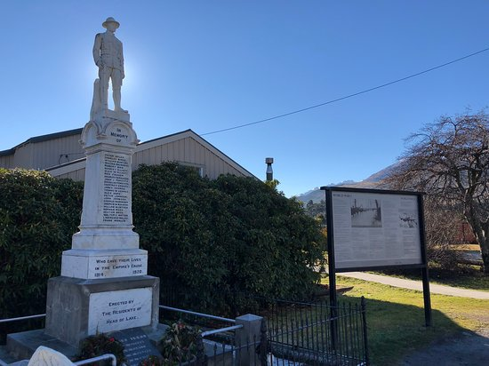 Glenorchy war memorial