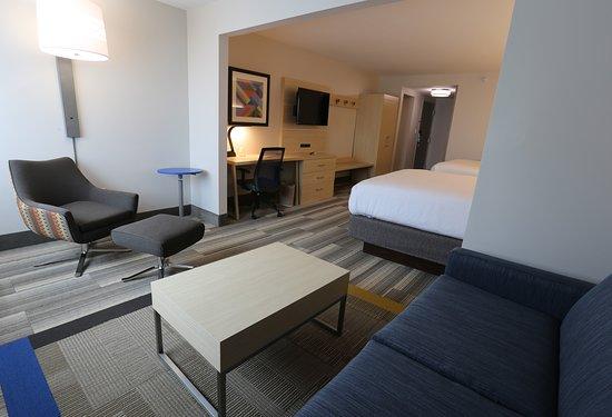 Holiday Inn Express Biloxi: Suite