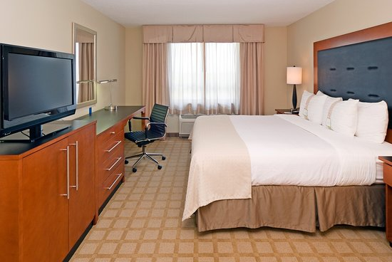 Holiday Inn Ft. Myers Airport-Town Center: Guest room
