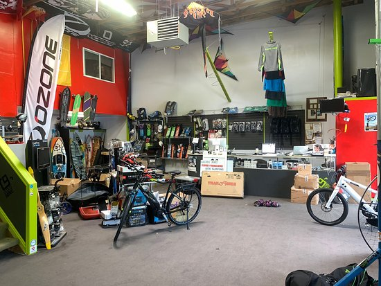 Draper, UT: Cloud 9 Paragliding and Adventure Toy Store (there retail shop)
