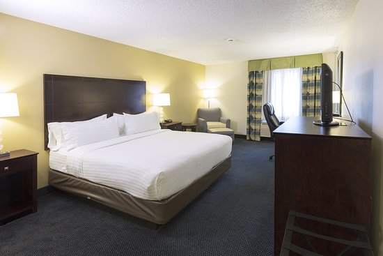 Holiday Inn Express St. Joseph: Guest room
