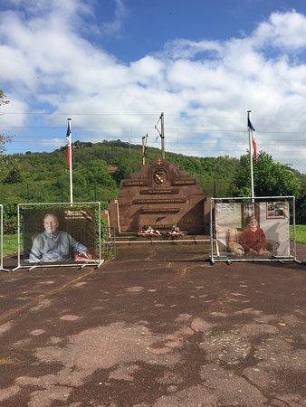 Sierck-les-Bains, Francja: Monument aux Morts De La Guerre 14-18 et 39-45