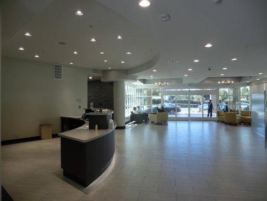 Holiday Inn West Covina: Lobby