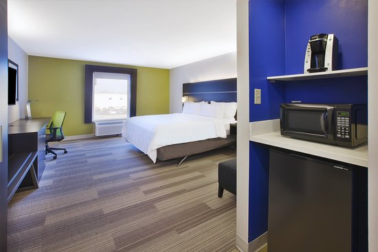 Holiday Inn Express Tiffin: Guest room