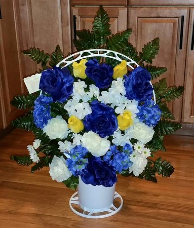 Chris's Flowers and Creations: Silk Basket Arrangment