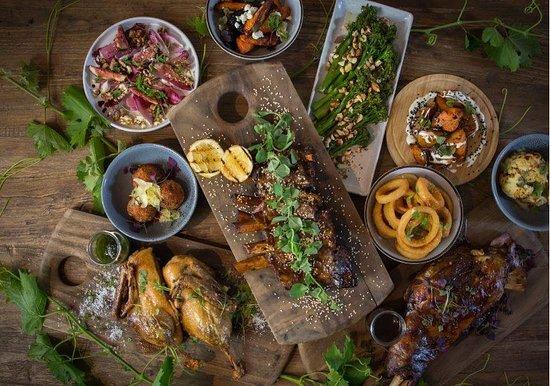 Queanbeyan, Austrália:  Shared Feast Lunch @ Olleyville at Shaw