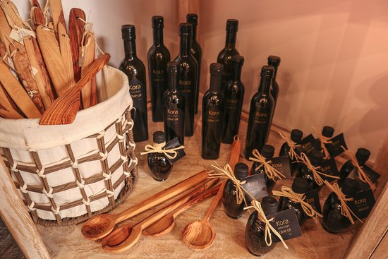 Olive wood and extra vergin olive oil