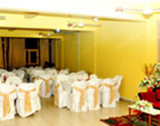 NITHILA INN located just 30 minutes from Colombo in the city of Kesbewa is a great place to visit. It is equipped with a Hotel, Restaurant & Bar, Room Service and a modern Banquet Hall which can be used for any functions.  * Friendly staff and Quality food is the key to Nithila Inn's success. Menus range from Local, Western, Chinese etc... * Every weekend they also hold a BBQ night every weekend as well. * Comfortable A/C and Non a/c rooms available