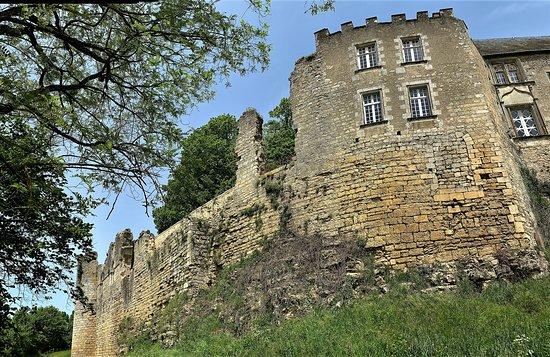 Benassay, France: Un édifice remarquable, un ambitieux programme de restauration et une volonté d'ouverture au public