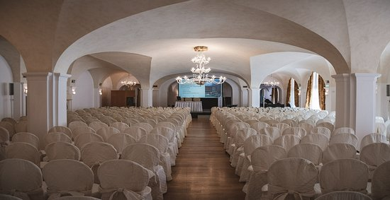 Sala delle arpe up to 300 people