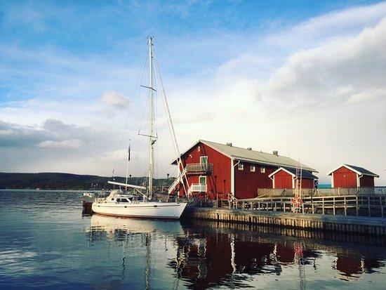 Kopmanholmen, السويد: Kajkanten sett från gästbryggan