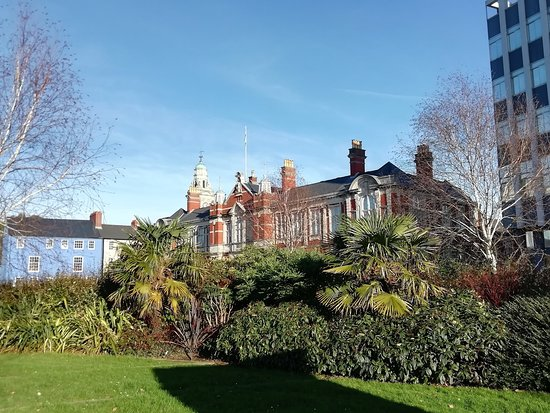 Morgans Hotel and Museum Gardens