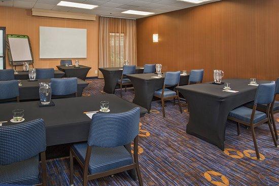 Courtyard by Marriott Philadelphia Airport: Meeting room