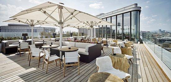 Aurora Rooftop Bar Day