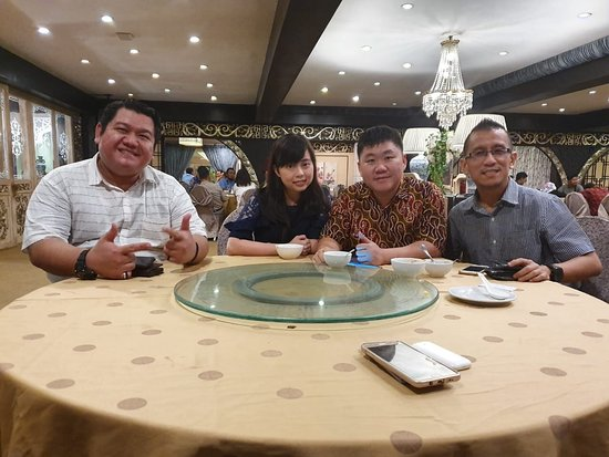 Good day breakfasting at Ming Court surabaya.   Ice cream party Gelatto.  Good time many choice at Garden Palace Hotel.  Thanks Mrs Melanie Shah asdir Humble asdir at Garden palace