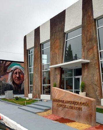 Carlos Gradin Museo de Arqueologia