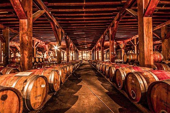 """Alfatur Chile: """" Na cidade de Toscana, localizada na Itália, costuma-se dizer que a felicidade é medida por barricas."""" Imagina quanta felicidade se encontra nesse lugar!"""