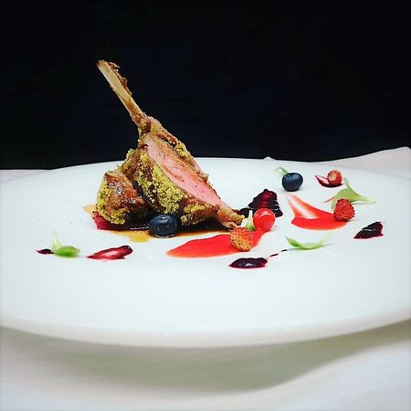 Lamb chops, mint breadcrumbs, red fruits and colourful beets