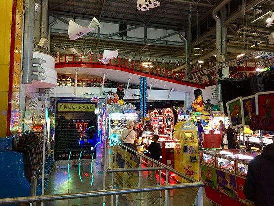 Grand Pier: Amusement arcade