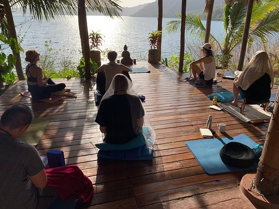 Apoyo lodge is our home away from home - like having our own Three Jewels meditation & Yoga studio in Nicaragua 💎💎💎🧘🏻‍♂️🧘🏻‍♀️🙏🏻