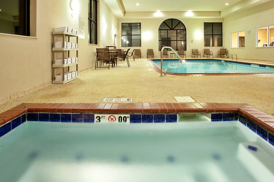 Holiday Inn Express Claypool Hill: Pool