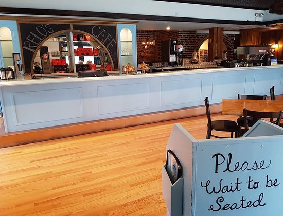 Relo's Board Game & Dessert Cafe