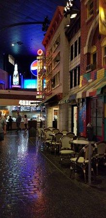 Greenberg's Deli: Outside of the deli inside NY/NY Casino