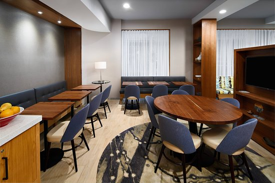 TownePlace Suites New York Manhattan / Times Square: Restaurant