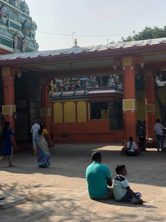 Vellore District, อินเดีย: Inside the temple