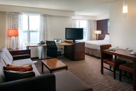 Residence Inn San Francisco Airport/Oyster Point Waterfront: Suite