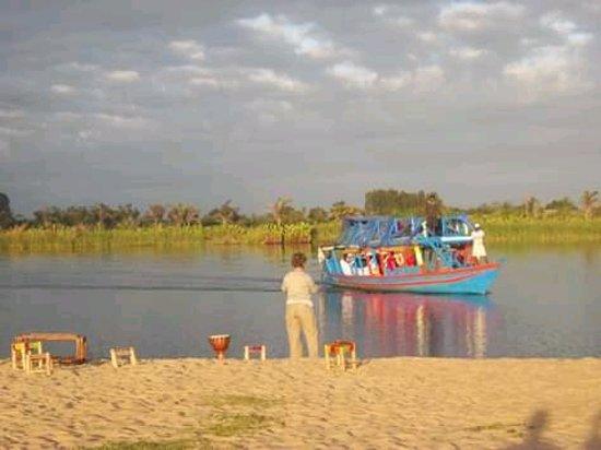 Mananjary, มาดากัสการ์: 3 jours sur le canal avec un trek de 4 à 5 heures du temps