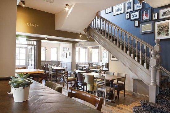 Inn in the Park: Interior of the pub