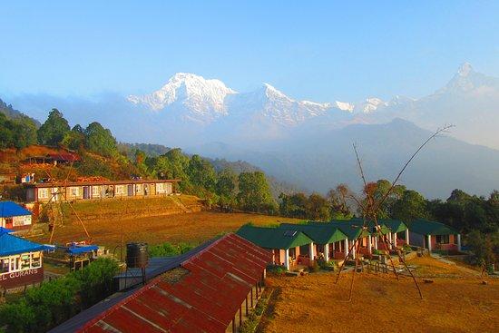 Nepaltrekstour.com