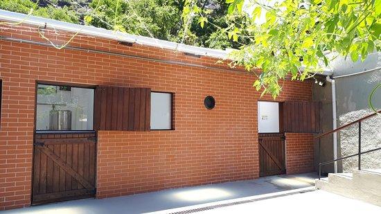 Itaipava, RJ: Sua estrutura fabril  foi construída onde antes haviam antigas baias de cavalo. Por isso o nome ALTER , que foi inspirado na raça de cavalos ALTER-REAL.