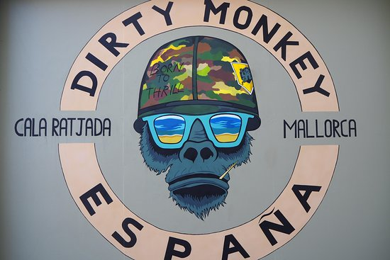 dirty monkey cala ratjada