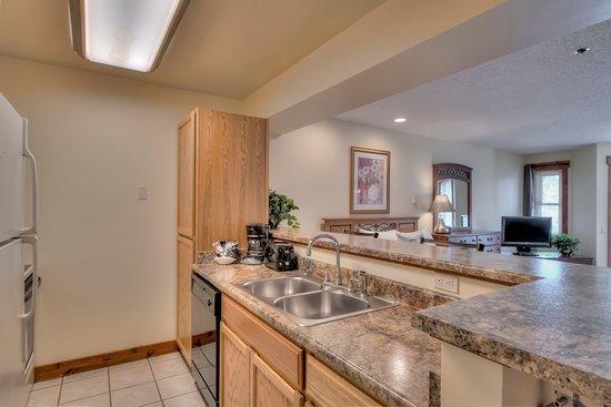 Standard Studio - Kitchen - Picture of Wedgewood Lodge ...