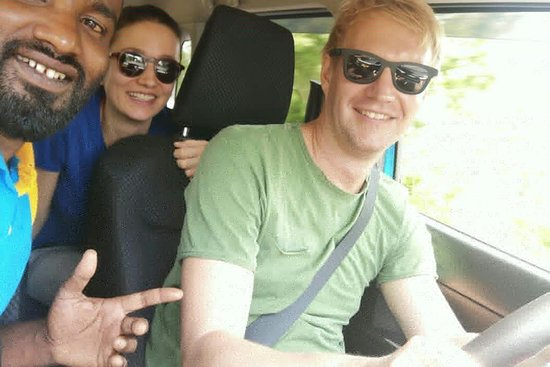 Taxi Nuwaraeliya srilanka Tour with Henry