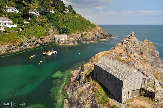 Polperro Harbour and Headlands Walk