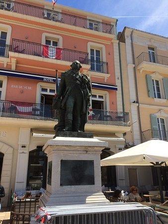 Bailli De Seffron Statue