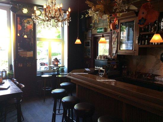 Cafe de Bombardon