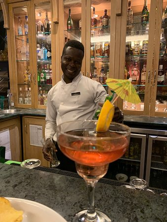 Omg the best barman ever!! Go gidian you are the best!!