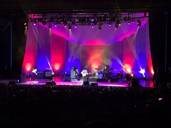 Chastain Park Amphitheater: 08-22-18 Jeff Beck.