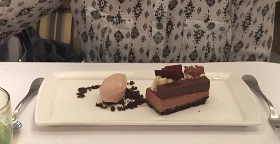 Chocolate Gateau - perfect ending to a wonderful dinner!